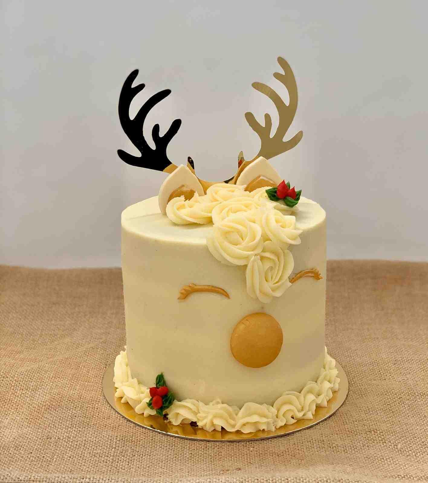 Rudolph Cake Red Velvet
