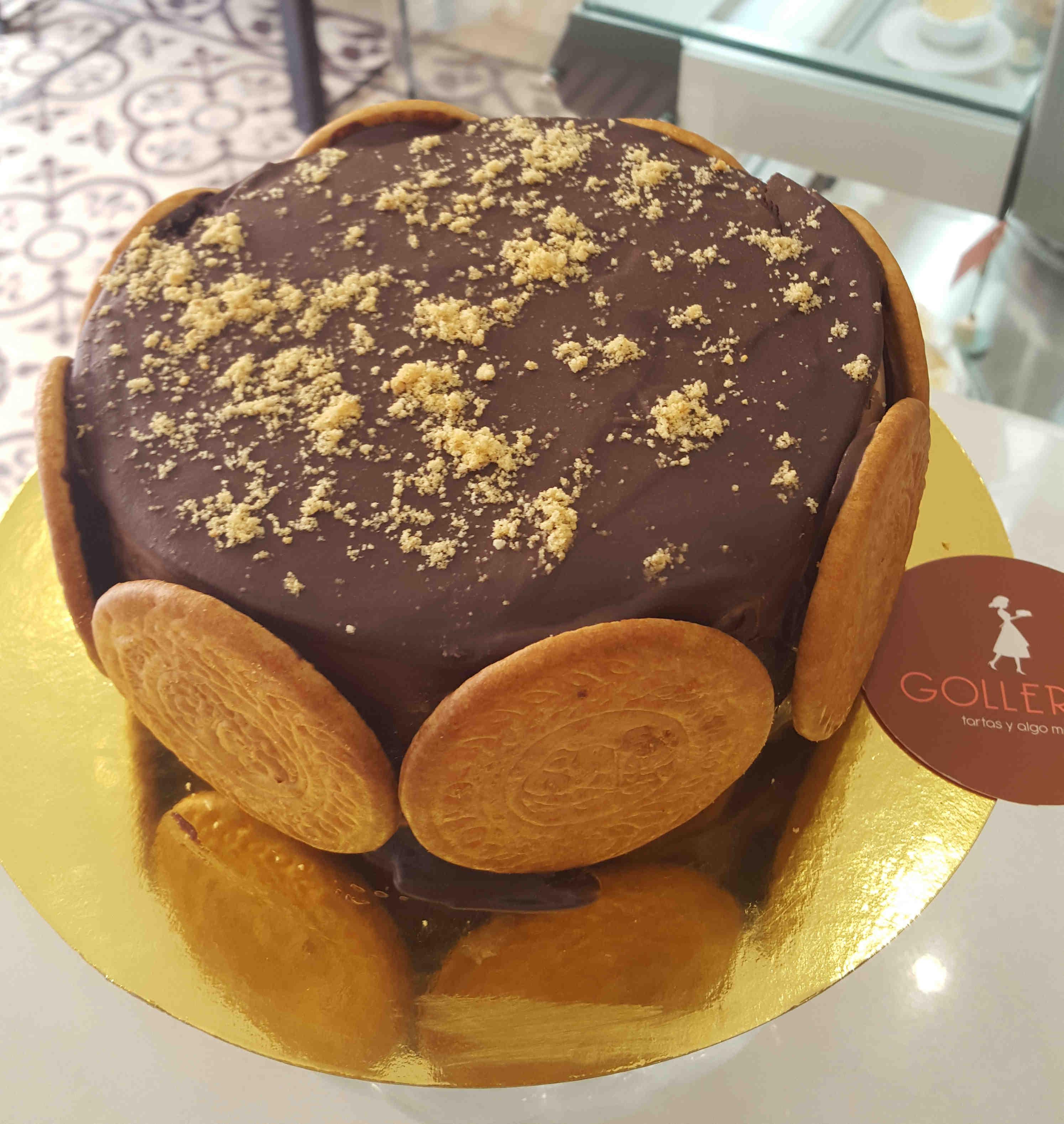 Tarta de galletas, crema pastelera y chocolate